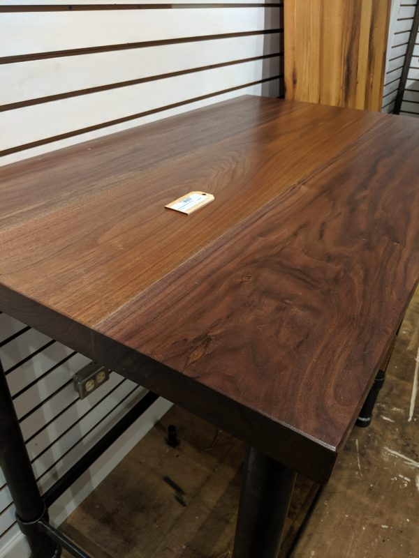 Sluska Walnut bar top at Fraser Wood Elements