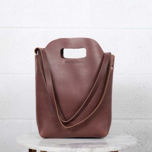 mini market tote brown front view